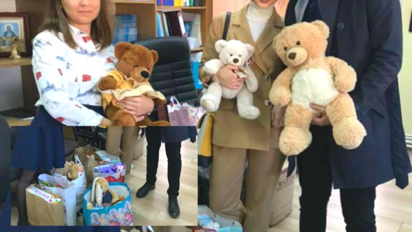 Foto: Doi miri din Moldova au adunat la nuntă jucării în loc de flori, pe care le vor dona copiilor care au nevoie de ele