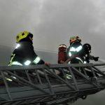Foto: Incendiu puternic în Capitală. Cum s-au descurcat pompierii