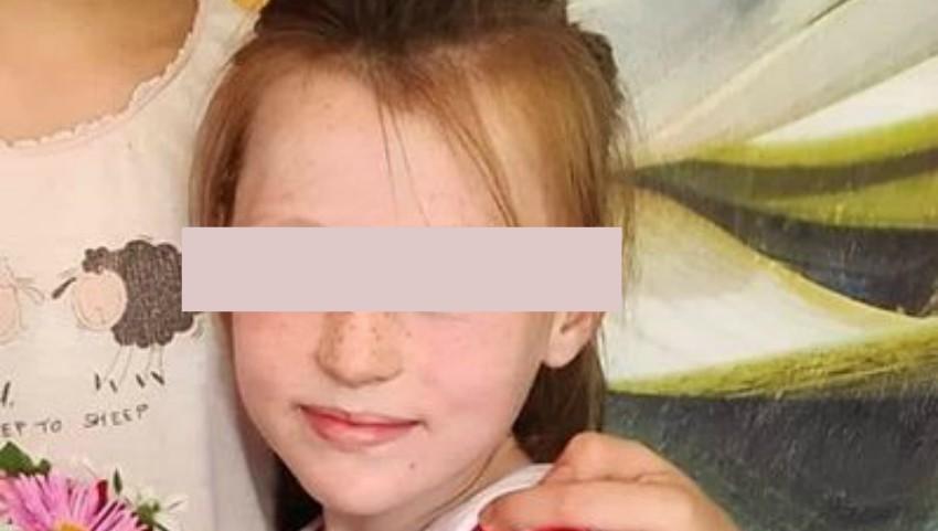 Foto: O fetiță din Strășeni a fost găsită abia peste 5 ore, după ce a căzut într-o groapă de canalizare