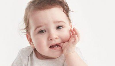 Diminuarea durerii și a disconfortului bebelușului în timpul dentiției