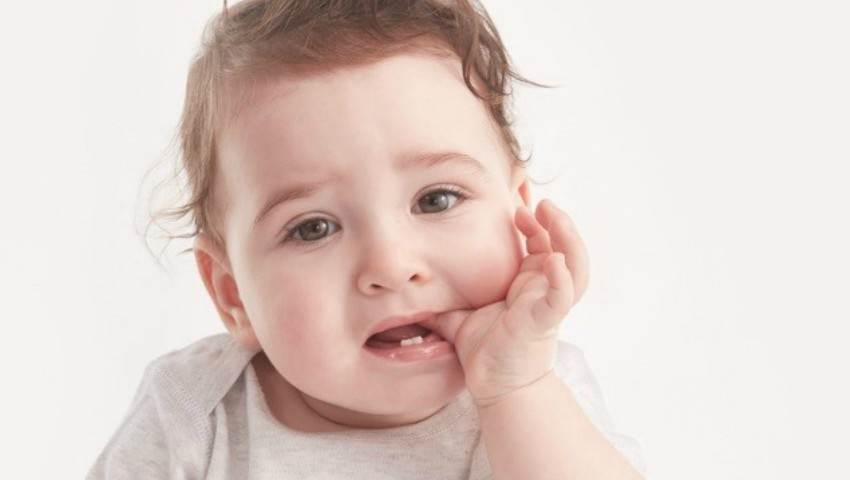 Foto: Diminuarea durerii și a disconfortului bebelușului în timpul dentiției