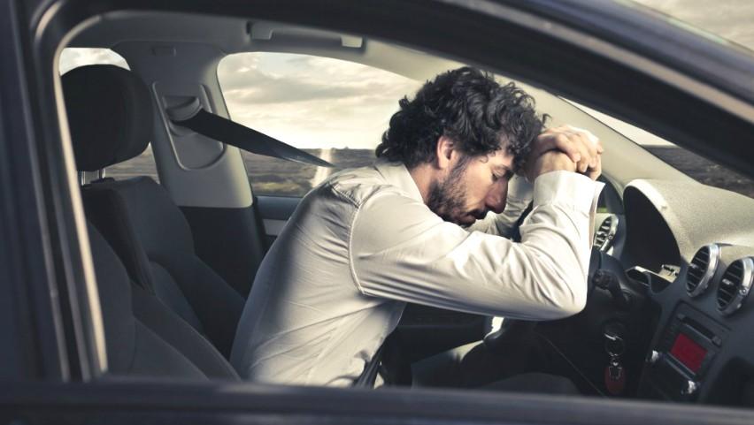 Foto: Un tânăr din Capitală a oprit un șofer care voia să urce beat la volan: i-a luat cheile și a sunat la poliție