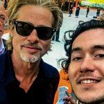Foto: Moldoveanul care l-a întâlnit pe Brad Pitt la Londra, și-a inaugurat cea de-a 10-a expoziție de artă!