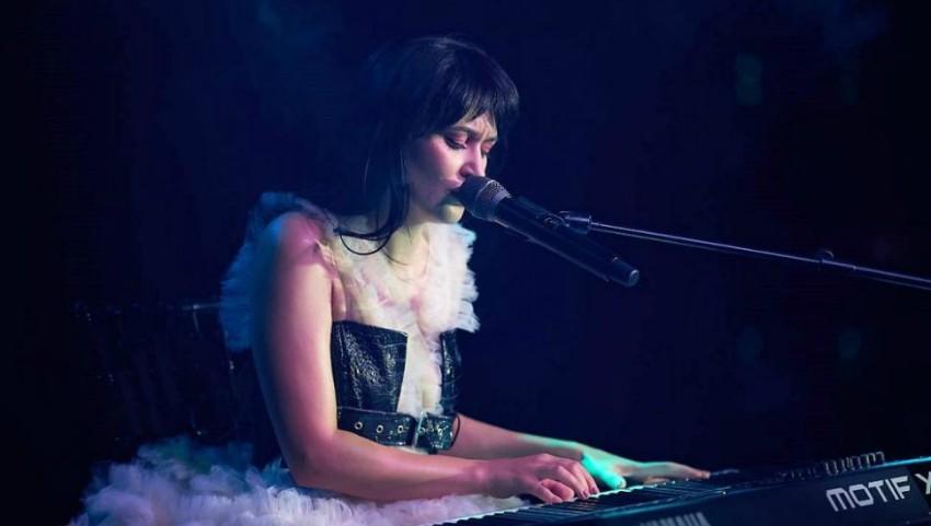 """Foto: Irina Rimes a interpretat în premieră o piesă scrisă pentru mama sa, la concertul online ,,Cosmos"""""""