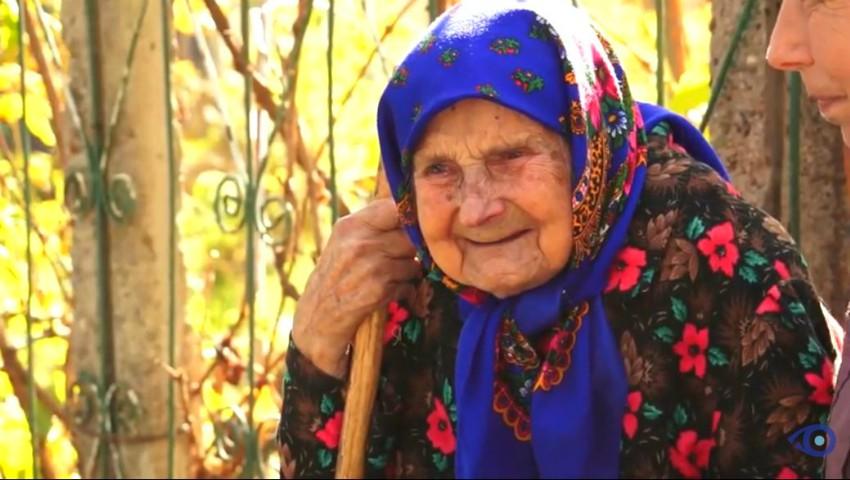 O bunicuță din Drochia împlinește astăzi 100 de ani. Femeia are o pensie de 205 lei