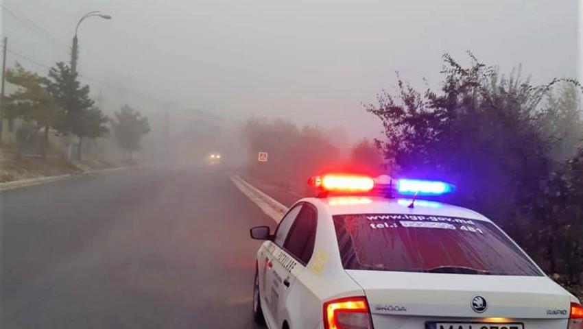 Foto: Cum să conduci pe timp de ceață? Ține cont de recomandările INP
