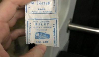 O poză cu un bilet de autobuz, la prețul de 8 lei, a devenit virală pe internet