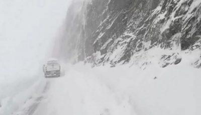 Un autocar cu moldoveni a rămas blocat în România, din cauza zăpezii