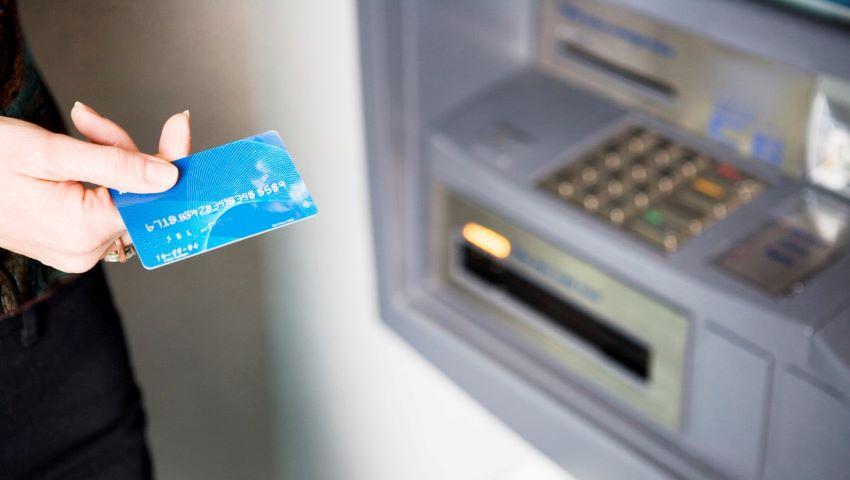Foto: Moldovenii sunt atenționați în legătură cu o nouă escrocherie de spargere a conturilor bancare