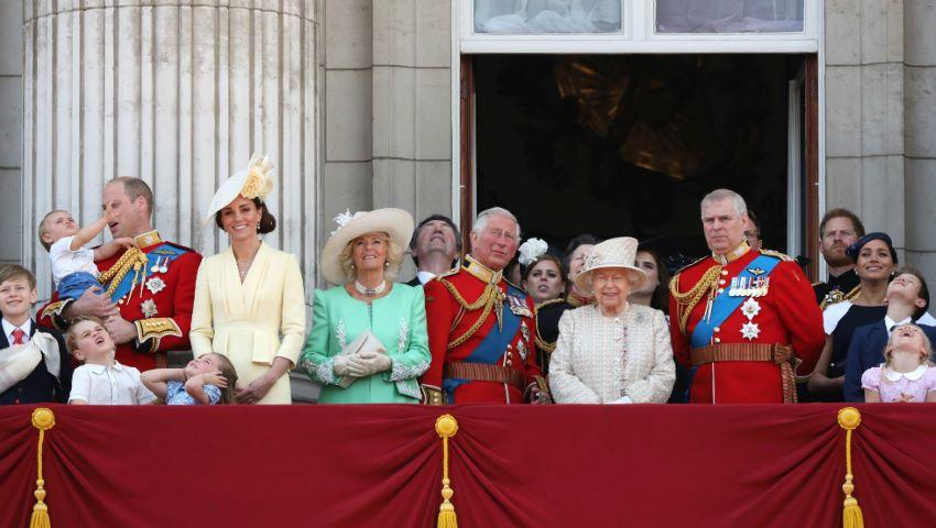 Foto: Fiul Reginei Elisabeta, acuzat de sex cu minore. Scandal în familia regală britanică