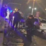 Foto: Două mașini făcute zob, în urma unui accident violent în Capitală
