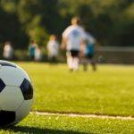 """Foto: Elevii pot alege ,,ore de fotbal"""", în loc de educație fizică, în școli"""