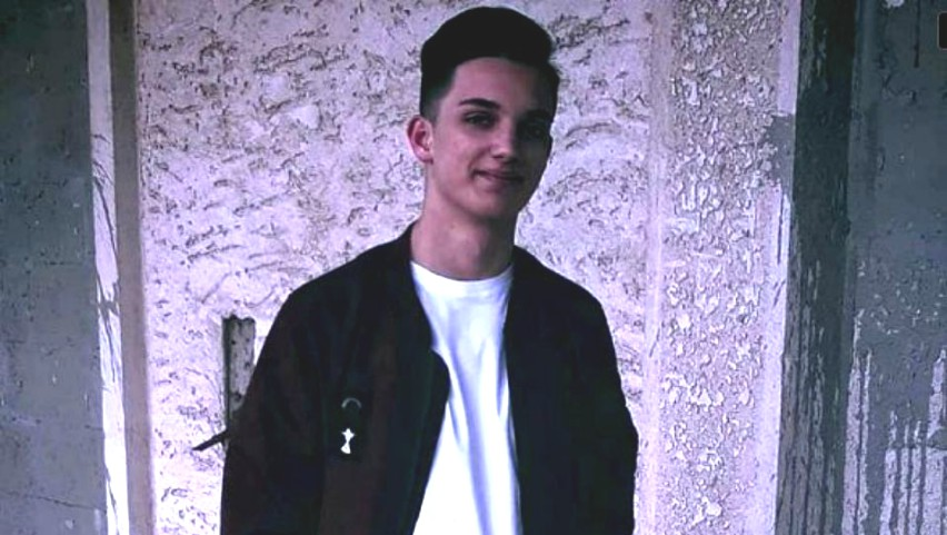 Foto: O femeie care a lucrat mai mulți ani în Italia, și-a înjunghiat mortal fiul de 17 ani. Caz șocant la Botoșani