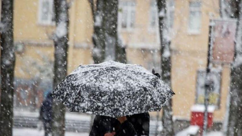 Foto: Ninge în nordul țării. În Moldova au căzut primii fulgi de zăpadă