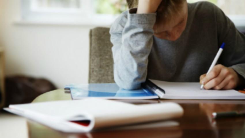 O minoră din Capitală, în vârstă de 14 ani, a încercat să se sinucidă chiar în timpul orelor