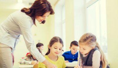 Ce salarii vor primi angajații din învățământ de la 1 ianuarie?