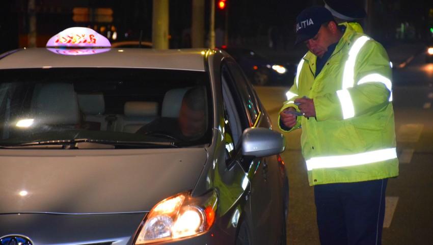 Foto: Poliția: Unii șoferi de taxi din Capitală urcă la volan drogați și în stare de ebrietate