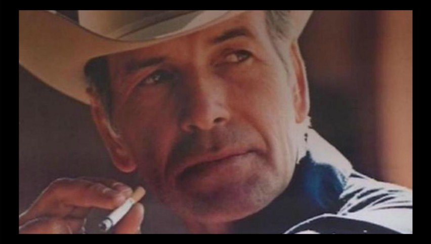 """Foto: Robert Norris, cunoscut drept """"Marlboro Man"""", a murit la vârsta de 90 de ani, fără să fi fumat vreodată"""