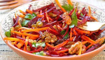 Salată de morcov, sfeclă, măr și lămâie – anticancerigenă, benefică pentru ficat și piele