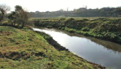 Agenția de Mediu: Alertă privind poluarea excepţională a apei râului Bîc, din cauza activităților umane