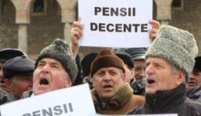 Peste 50% din bătrâni primesc pensii mai mici decât minimul de existență