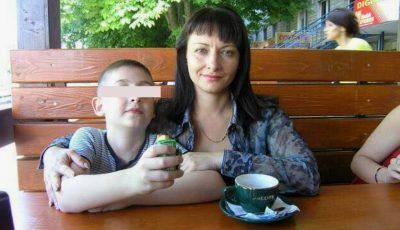 Mama unui băiețel are mare nevoie de ajutor! Gestul tău de bunătate o poate salva