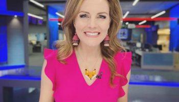 O prezentatoare a descoperit că are cancer la sân, în direct, la TV