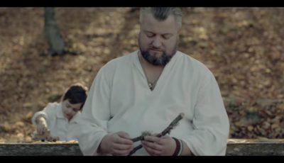 """Emoționant! Vali Boghean, alături de frații, nepotul și fiul său, în videoclipul pentru piesa ,,Tata"""""""