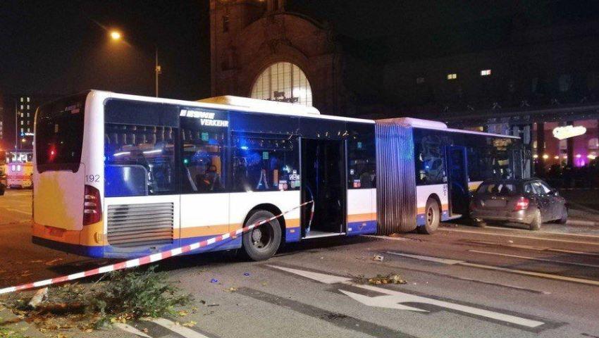 Foto: Un autobuz a intrat în mulțime, în Germania