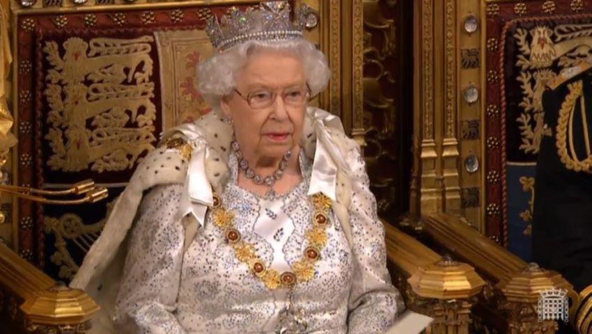 Foto: Regina Elisabeta a renunțat definitiv la blănurile naturale