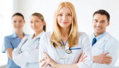 Medicii şi farmaciştii vor primi din ianuarie indemnizații unice mai mari