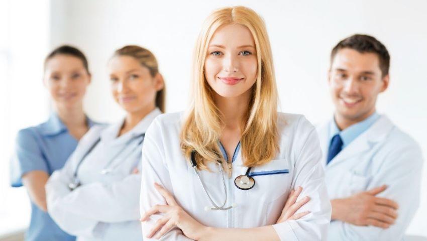 Foto: Medicii şi farmaciştii vor primi din ianuarie indemnizații unice mai mari