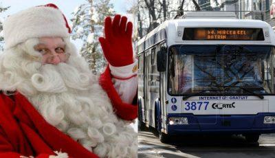 Foto. Un troleibuz din Capitală a fost condus astăzi de Moș Crăciun