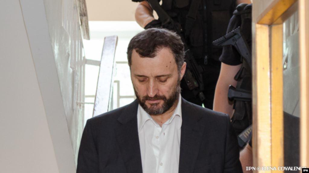Foto: Confirmat: Vlad Filat a fost eliberat din închisoare