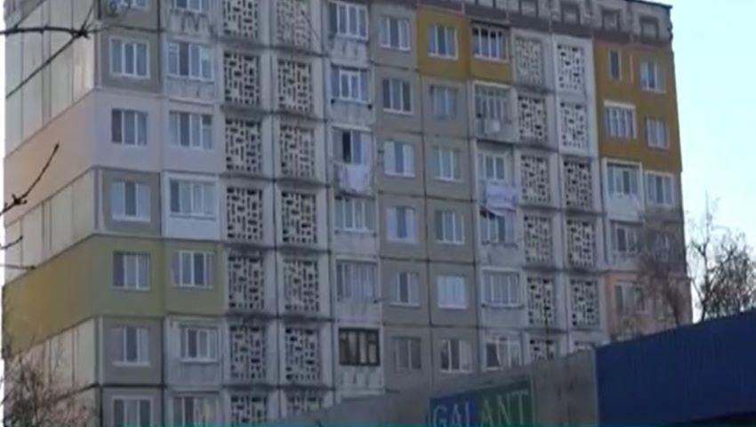 Foto: Un tânăr din Bălți a căzut în gol de la etajul 14. Ce spune poliția?