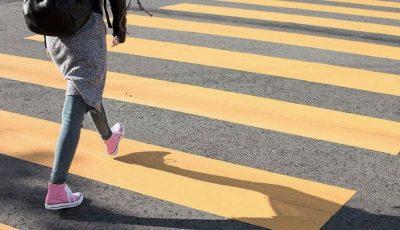 O fetiță de 13 ani a fost spulberată pe trecerea de pietoni