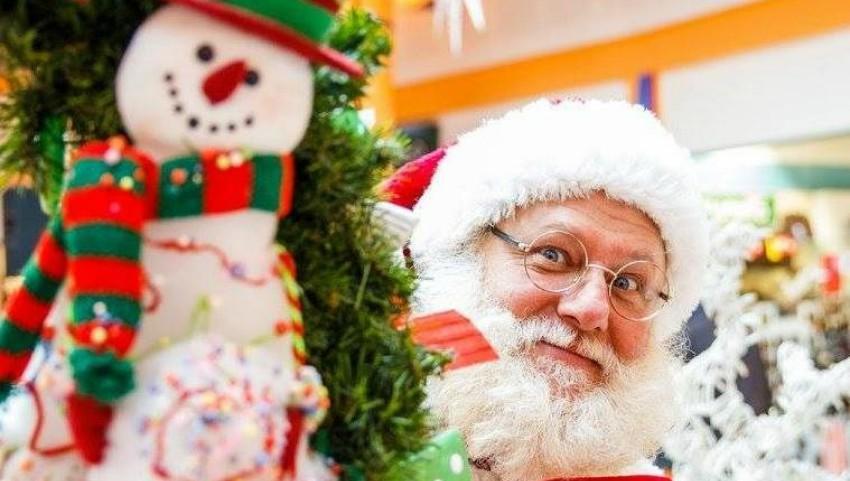 Foto: Cât costă serviciile lui Moș Crăciun și Alba ca Zăpada la matinee și vizite private, în Moldova