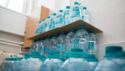 Kaufland a donat 50 de mii de litri de apă pentru 26 de grădinițe din Chișinău