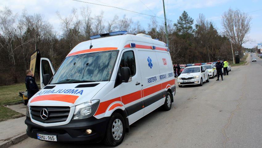 Foto: Razii în capitală. Mai mulți șoferi opriți și amendați, pentru că nu au acordat prirotate ambulanței-capcană