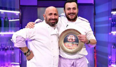"""Un moldovean a câștigat show-ul ,,Chefi la cuțite"""" și marele premiu de 30.000 de euro"""