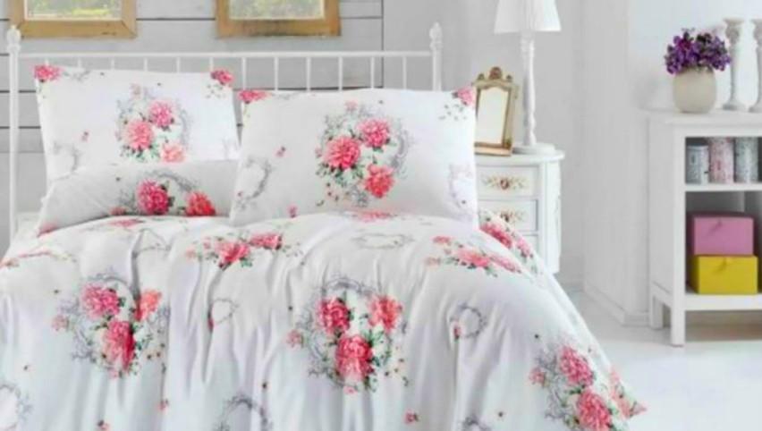 Foto: Cât de des ar trebui spălată lenjeria de pat, potrivit unui microbiolog