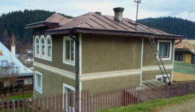 O femeie s-a întors din Italia și a descoperit că zeci de ucraineni au rezidența în casa ei