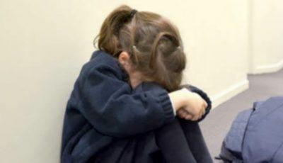 O copilă de 14 ani, a fost vândută de către propria mamă