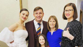 """Emilian Crețu, de Revelion alături de femeile dragi din viața sa: ,,Pace și dragoste în familiile voastre"""""""