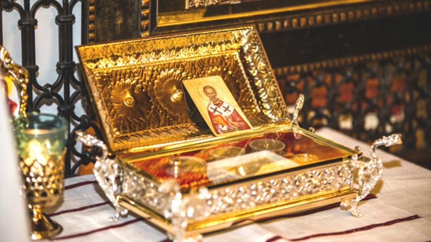 Foto: La Chișinău au fost aduse Moaștele Sfântului Nicolae, făcătorul de minuni