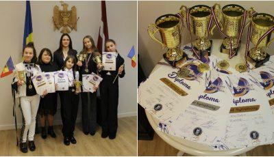 """Elevele Studioului Artistic ,,Rodica Roșioru"""" au câștigat 7 medalii de aur și argint la Festivalul ,,Riga Symphony"""" 2019!"""
