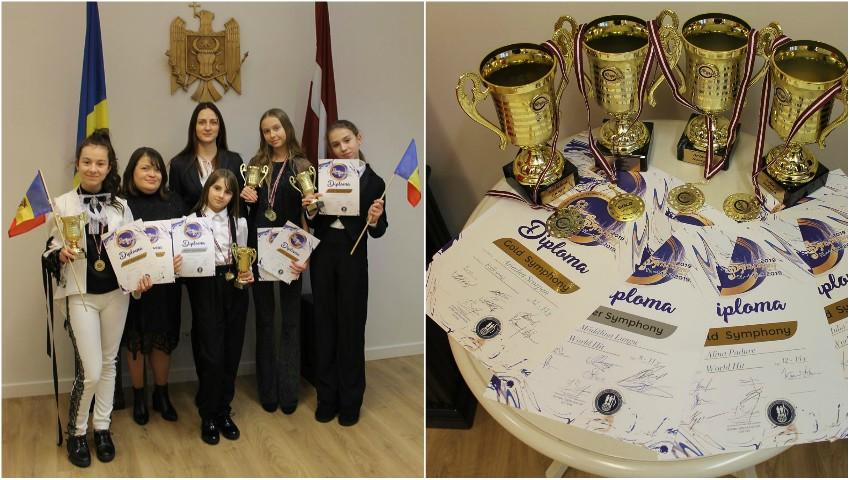 """Foto: Elevele Studioului Artistic ,,Rodica Roșioru"""" au câștigat 7 medalii de aur și argint la Festivalul ,,Riga Symphony"""" 2019!"""