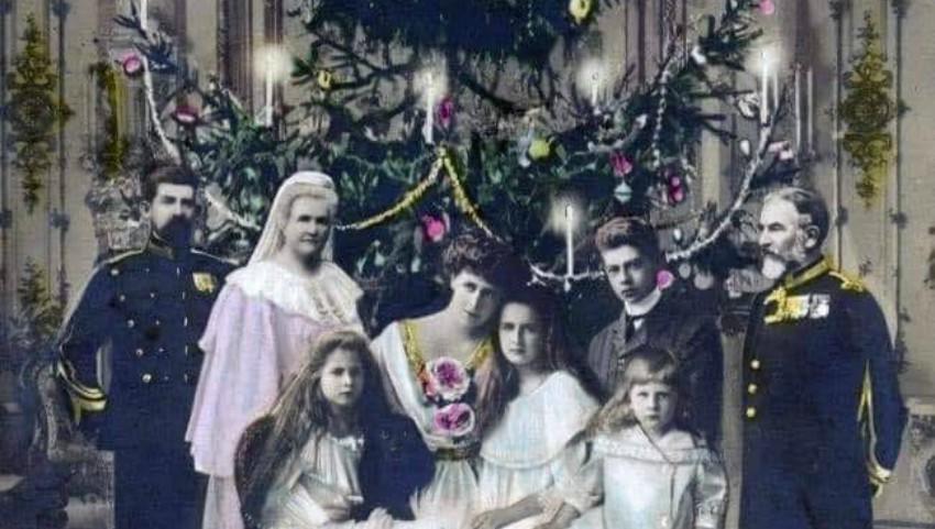Foto: Primul brad împodobit în România a fost la curtea regelui Carol I, în anul 1866