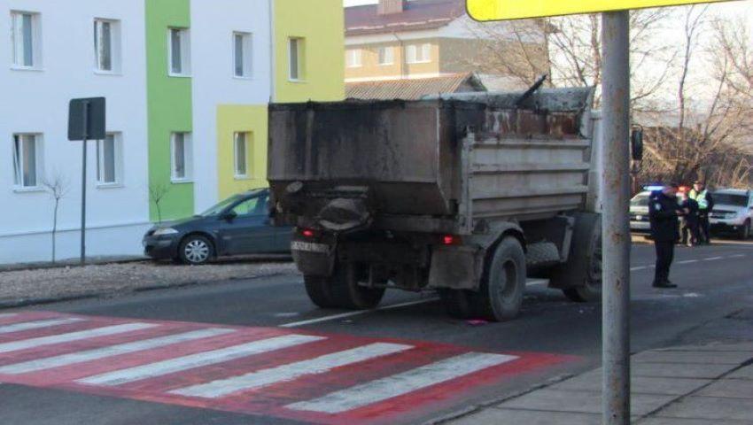 Foto: Ialoveni: O fetiță de 9 ani, lovită mortal pe trecerea de pietoni din fața școlii
