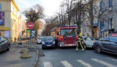 Șoferița care a blocat trecerea unui echipaj de pompieri pe o stradă din Capitală, a fost amendată